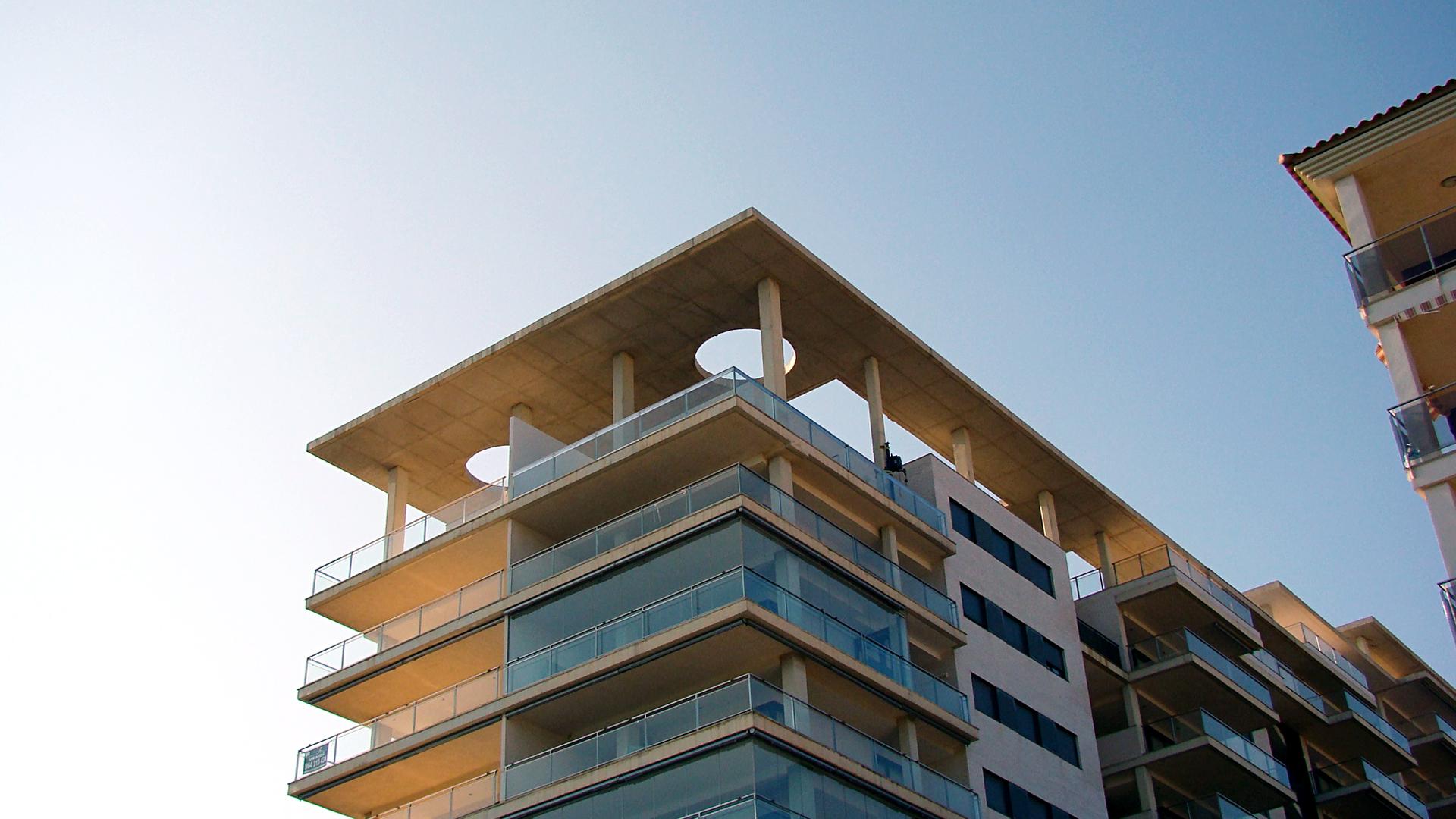 Cerramiento Terraza Atico Interesting En Balcones Tico  ~ Cerrar Una Terraza De Forma Barata