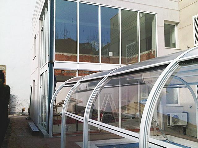Acristalamiento cerramiento y cubierta piscina 15 aluinma carpinter a de aluminio en alicante - Piscina cubierta alicante ...